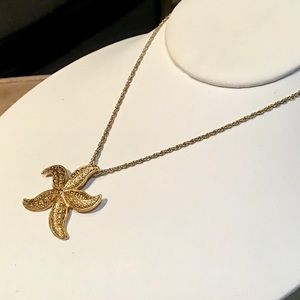 Avon Jewelry - 🌺VINTAGE Gold Starfish Necklace